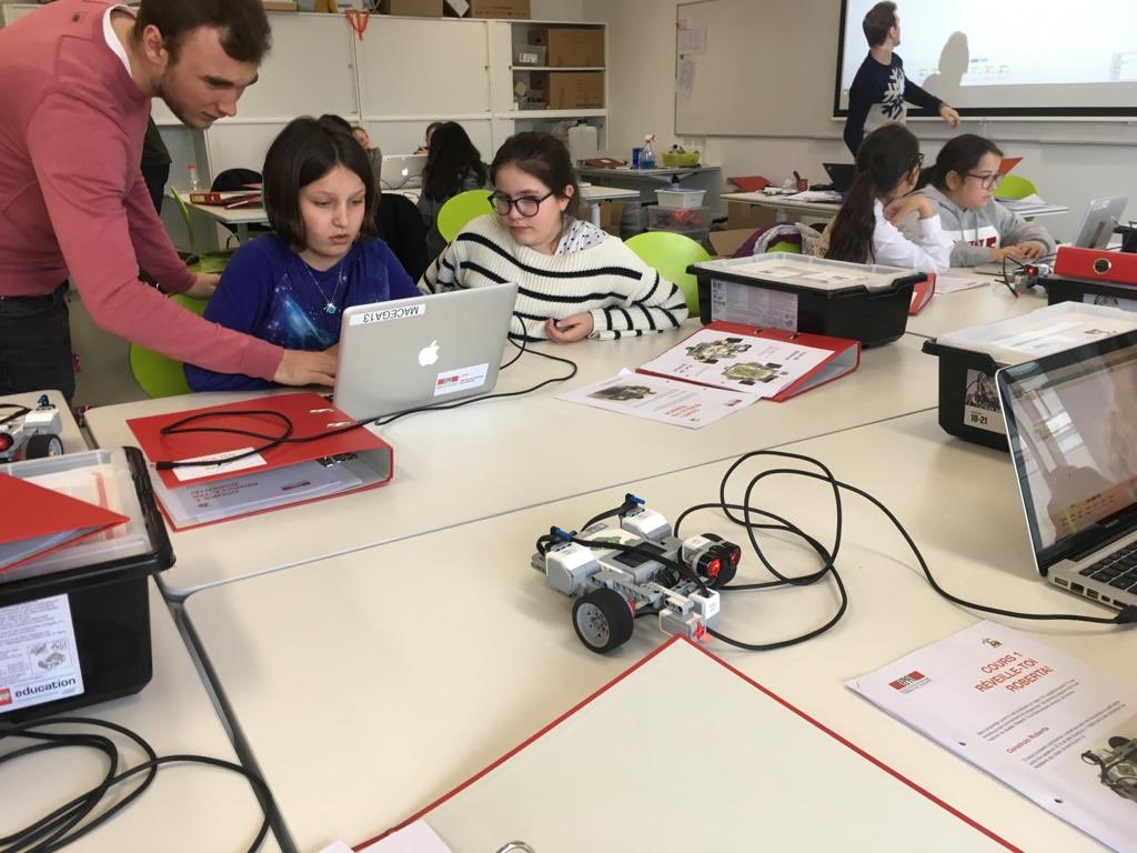 Robots for girls 2019 - Source- Twitter EPFL 2